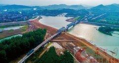 建设亿吨大港 打造跨越引擎